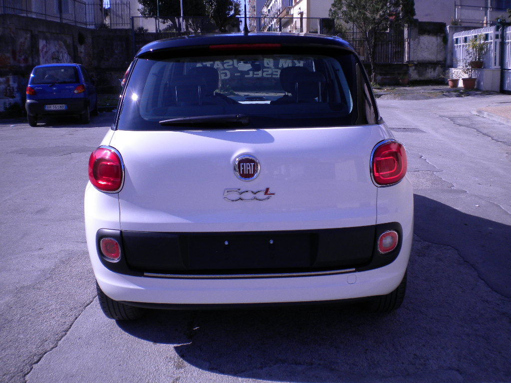 fiat 500l bifuel auto diaz. Black Bedroom Furniture Sets. Home Design Ideas